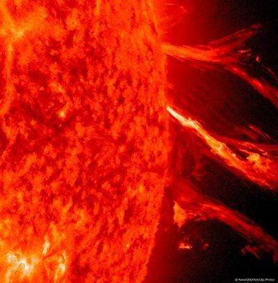 Méga-éruption solaire de classe M8.7