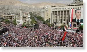 Syrie : La révolution sanglante - Une diversion ? dans Contrôle population et Armes syria_pro_assad_rally