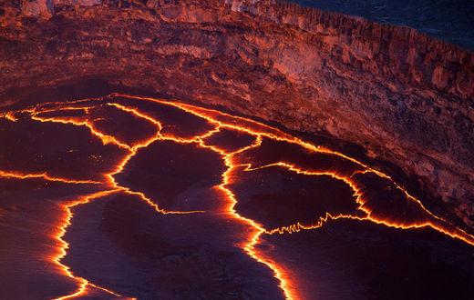 Le cratère du Kilauea, le 22 octobre 2012