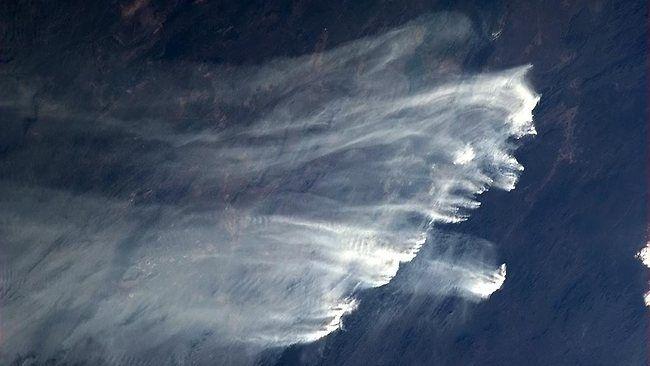 un astronaute photographie les violents incendies dans le bush australien depuis l u0026 39 iss