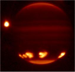 Les fragments de la comète Schoemaker-Levy impactant Jupiter