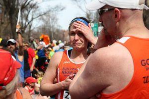 Coureurs du marathon après l'explosion à Boston