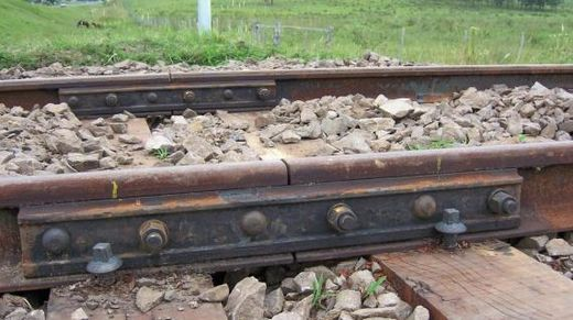 Eclisse_rails ferroviaires