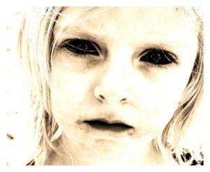 Enfant aux yeux noirs_BEKs