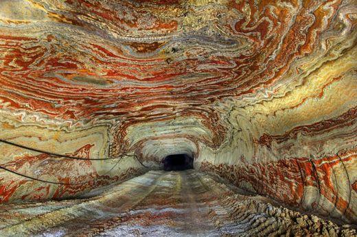 motifs psychédéliques grottes souterraines Oural3