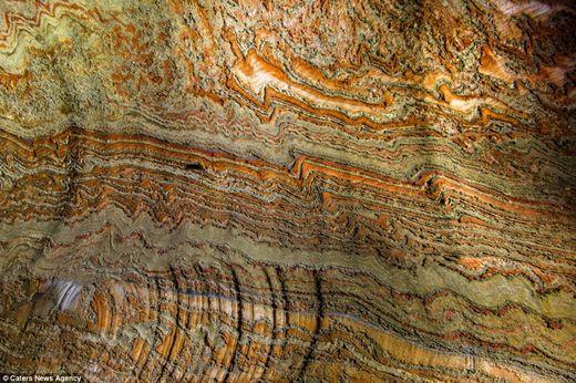 motifs psychédéliques grottes souterraines Oural5