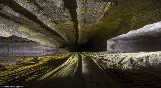 motifs psychédéliques grottes souterraines Oural8