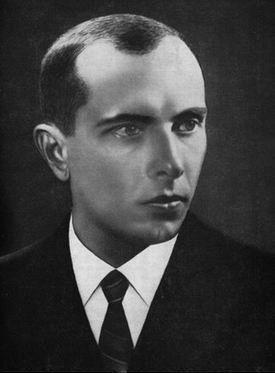 Stepan Bandera (1909-1959), l'un des fondateurs de l'Armée insurrectionnelle ukrainienne (UPA) et dirigeant de l'Organisation des nationalistes ukrainiens (OUN).