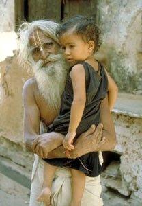 Insolite : « La mort m'a oublié », dit l'homme de 179 ans (Inde) Le_vieux_et_l_enfant