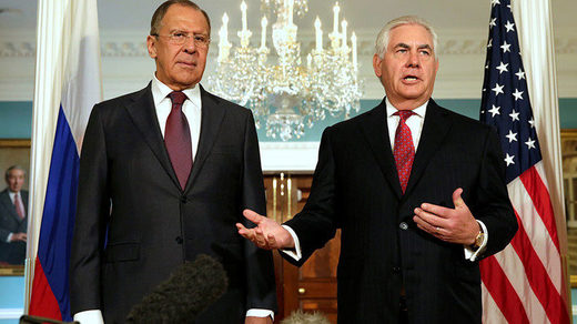 Rex Tillerson (R) and Russian Foreign Minister Sergey Lavrov