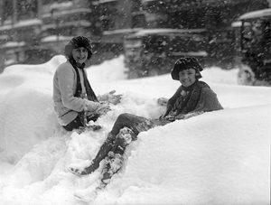The Knickerbocker Snowstorm Washington 1922, 28 inches