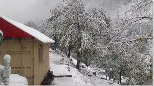 Pakistan, snow