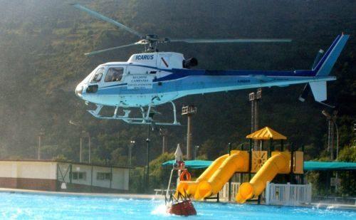 hélicoptère bombardier d'eau