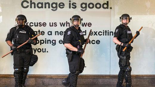 SOTT FOCUS: Pourquoi certains médias alternatifs respectés embrassent-ils un État policier ?