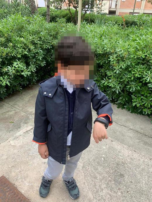 enfant, bracelet électronique, covid, Italie