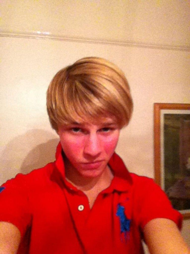 Selfies nue les adolescents